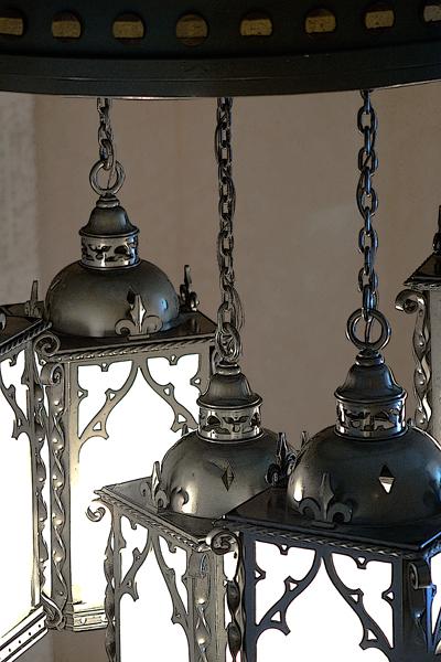 Maison Alcan lobby - chandelier